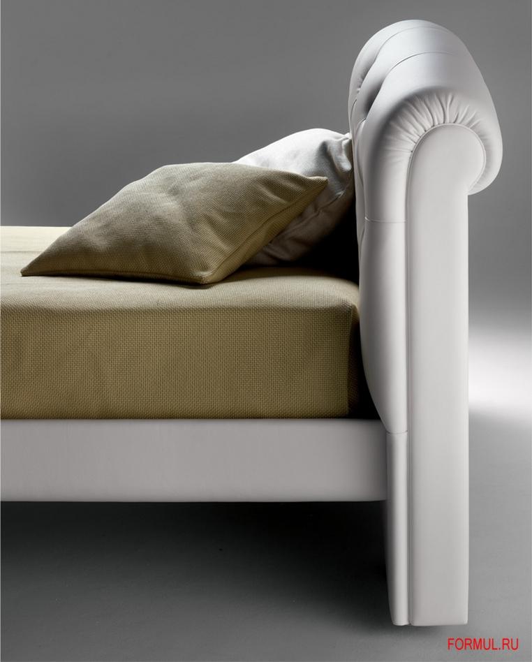Кровать Poltrona Frau I Rondo Sei.