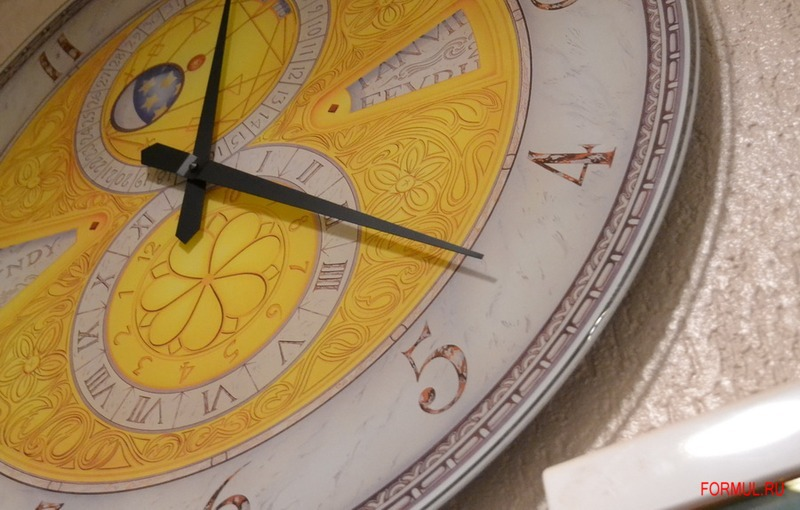 Часы Tonin Casa Taschino 7935