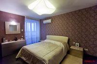 Кровать, комод и тумбы SAN GIACOMO, потолочный светильник AXO light